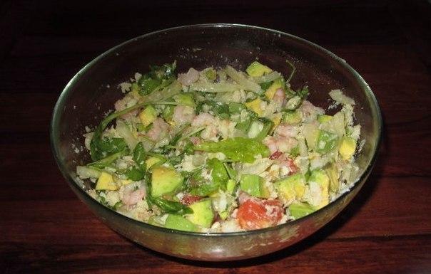 Салаты с авокадо и крабовым мясом рецепт