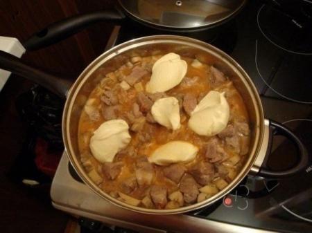 Рецепт Мясо в сырном соусе