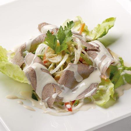 Салат с языком и капустой
