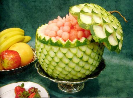 Съедобная красота - художественная резьба по овощам и фруктам. Карвинг - подборочка.