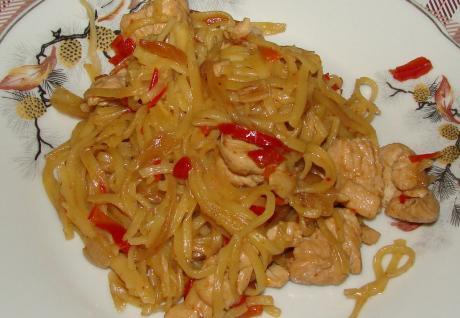 Кто еще не пробовал курочку по - китайски? Пробуйте- очень быстро, просто, вкусно!