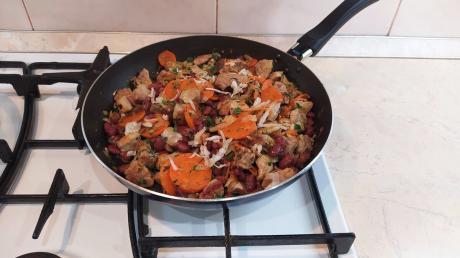 Что готовлю вкусно и много, когда совсем маленький кусочек мяса