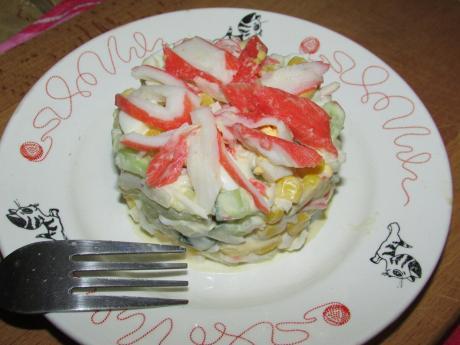 Самый желанный крабовый салат на нашем столе на 23 февраля