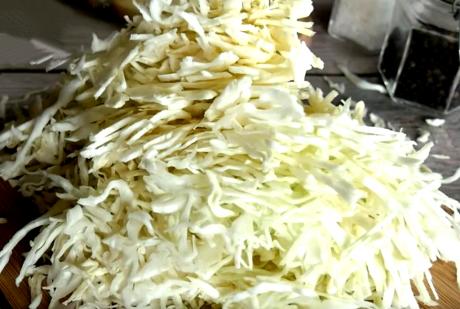 """Ничего варить не надо. Простой, но очень вкусный """"Французский"""" салат с капустой"""